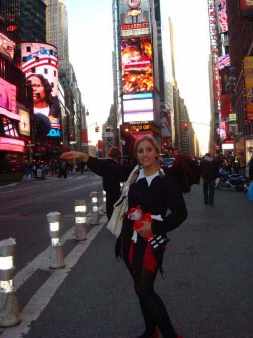Aniinthesky halloween new york