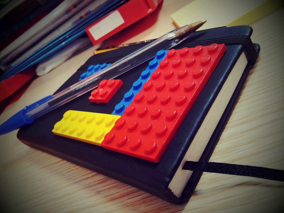 como-hacer-moleskine-lego-casera