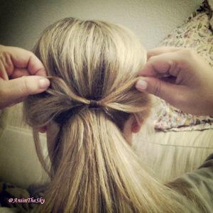 como-hacer-peinado-con-lazo-pelo-lazada-3