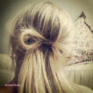 como-hacer-peinado-con-lazo-pelo-lazada-5