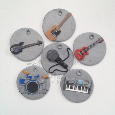 broches instrumentos fimo manualidades