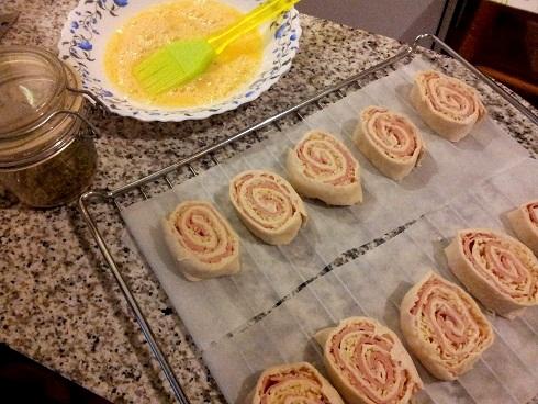 hacer rulo de hojaldre de jamón y queso receta