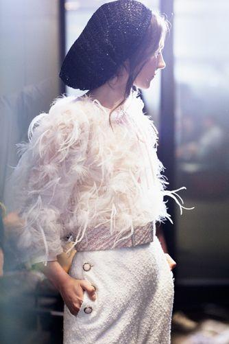 novia-chaqueta-plumas