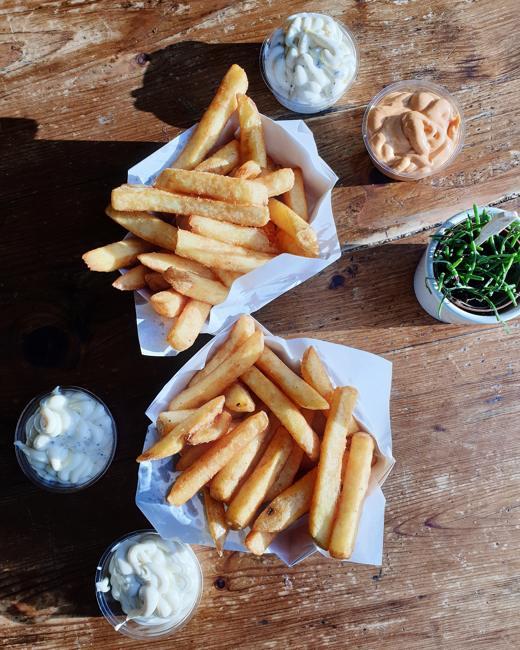 comer-patatas-fritas-bruselas