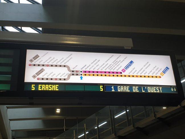 metro-bruselas-transporte-publico-indicaciones