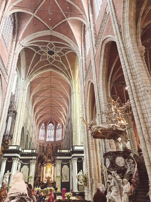 interior-catedral-san-bavón-gante